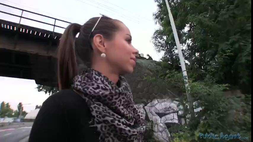 HD PublicAgent Brunette gets fucked in my car